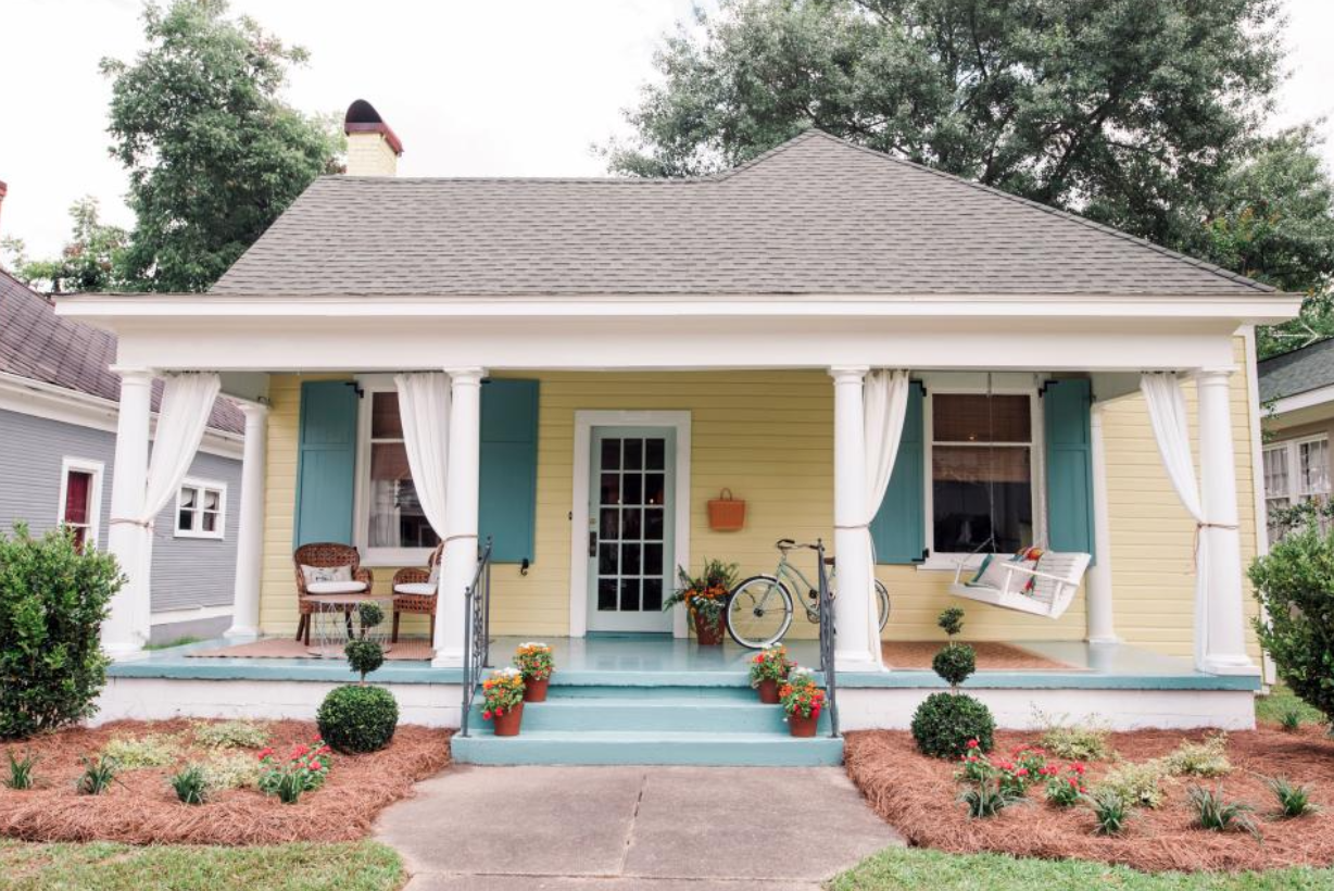 Tips For Improving Your  Homes Curb Appeal